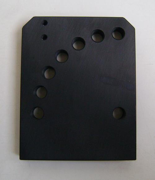 Pezzo realizzato a disegno in alluminio con trattamento